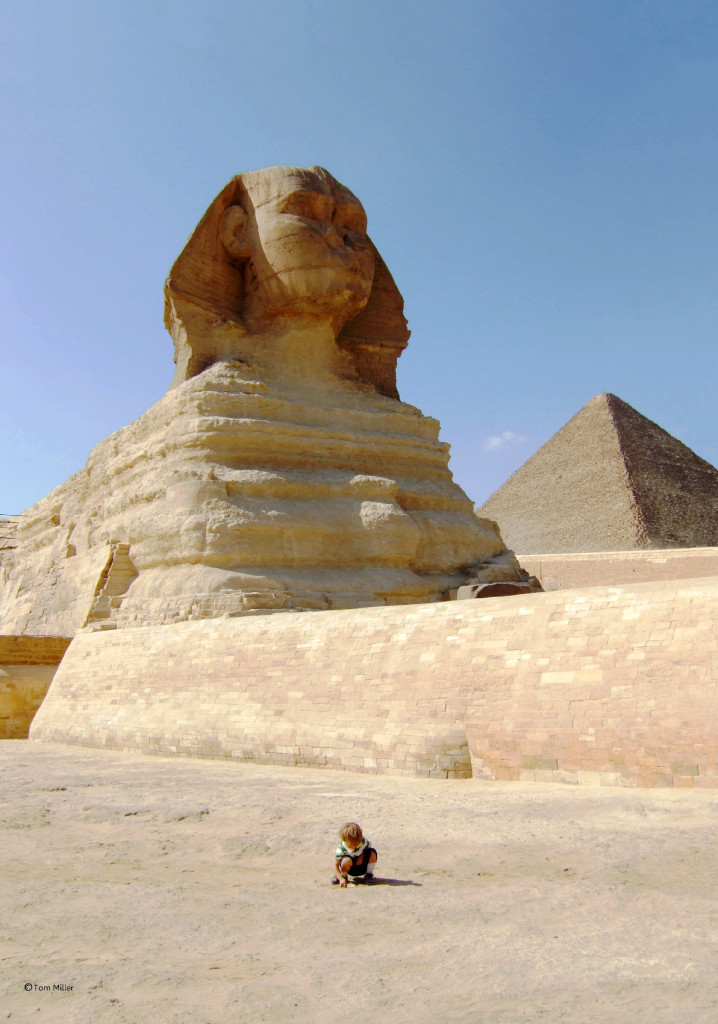 JPG+Child in front of Sphinx & Great Pyramid-1
